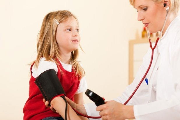Детям нужно измерять артериальное давление