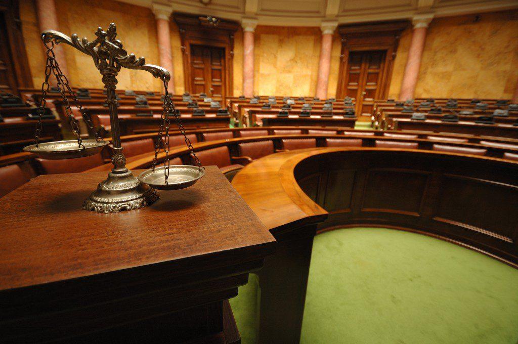 Нужен ли представитель в суде?