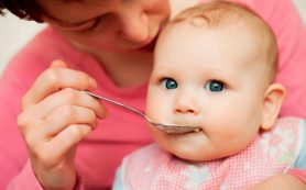 Можно ли давать шестимесячным детям орехи и молоко?