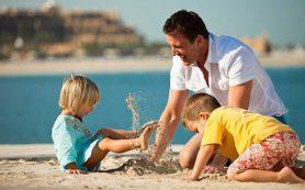 Эксперт: активное солнце и бронзовые малыши – это беда