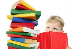 Знание двух языков помогает ребенку лучше развиваться