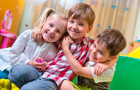 Неумение общаться со сверстниками повышает риск ожирения у детей
