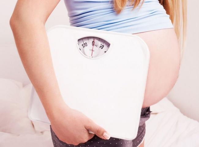 Ожирение во время беременности увеличивает риск рождения мертвого ребенка
