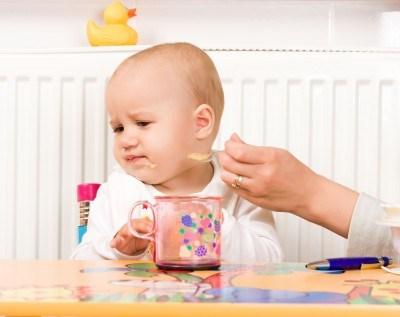 Ранний прикорм провоцирует ожирение у детей