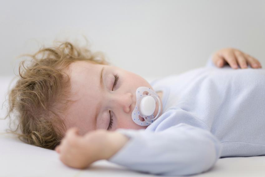 От количества сна зависит аппетит ребенка