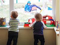 Психологи рассказали, почему ясли небезопасны для детей