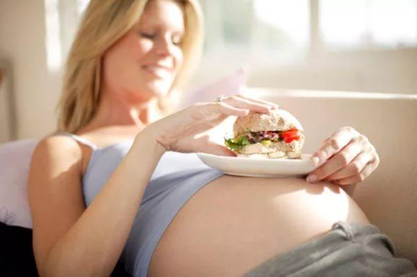 Неправильное питание во время беременнности повышает риск возникновения диабета у ребенка