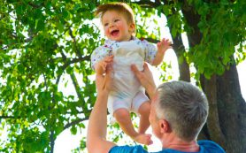 Тряска ребенка может привести к повреждениям в мозге