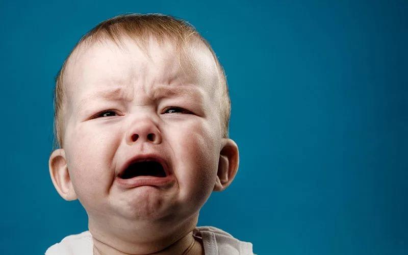 Плачущий ребенок улучшает реакцию у взрослого