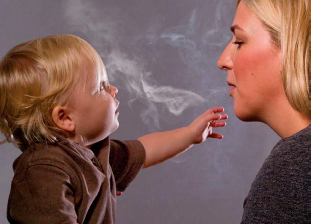 Сокращение случаев пассивного курения в американских домах уменьшило количество случаев отита у детей