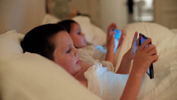 Недосыпание превращает школьников в толстяков