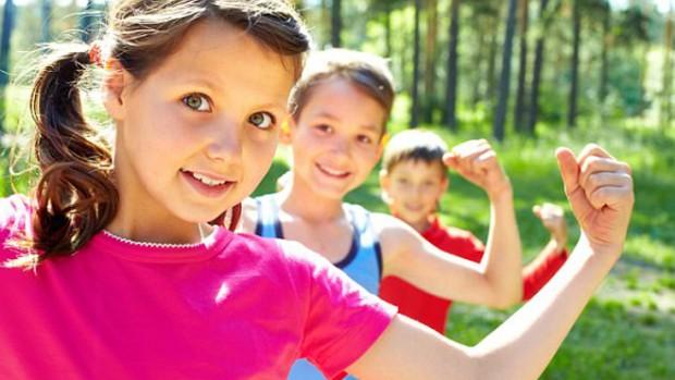 Короткие сеансы интенсивных физических упражнений улучшают когнитивные способности детей