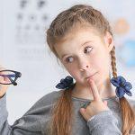 7 главных вопросов о зрении, которые волнуют родителей школьника