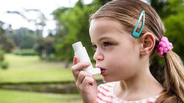 Грудное вскармливание уменьшает приступы астмы у детей