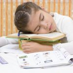 Более трети младшеклассников слишком мало спят