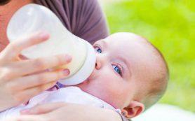 Чрезмерная забота о ребенке может сделать его толстым