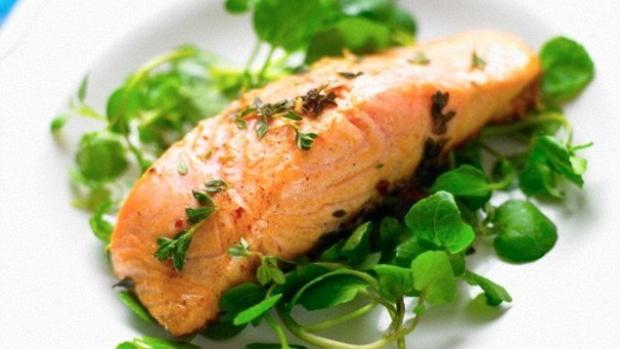Чрезмерное употребление рыбы во время беременности негативно влияет на вес ребенка