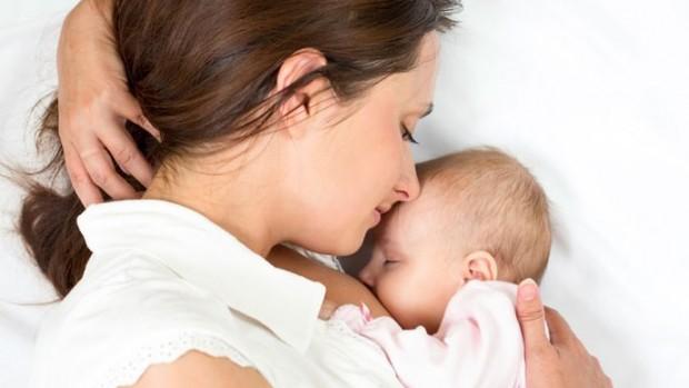 Продолжительное грудное вскармливание чревато развитием кариеса у детей