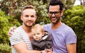 Воспитание в однополых парах не влияет на гендерную идентичность приемных детей