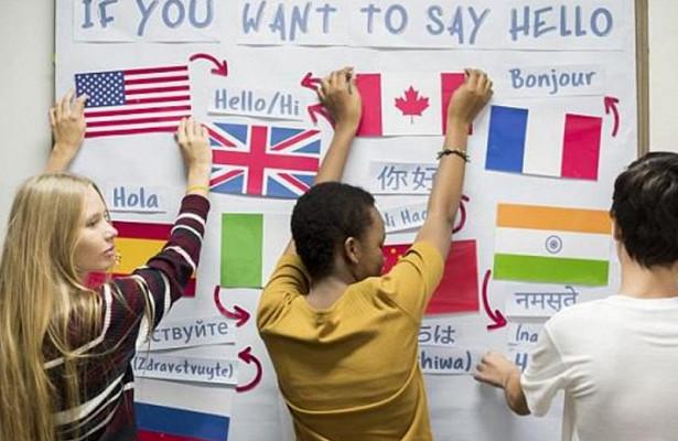 Начинать учить новый язык нужно обязательно до 10 лет