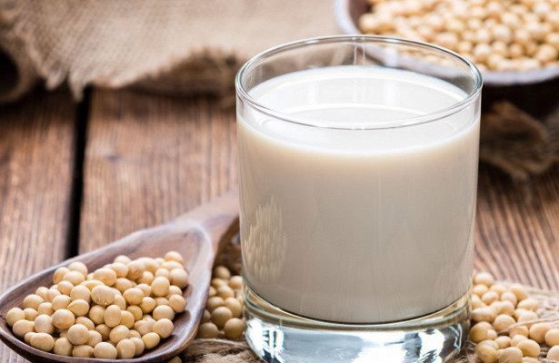 Соевое молоко смертельно опасно для детей