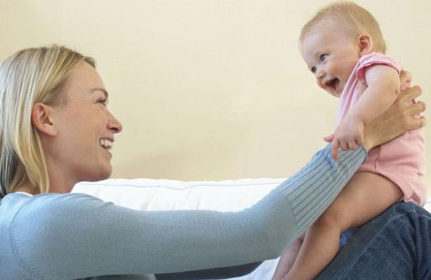 После рождения первенца голос женщины меняется на целый год