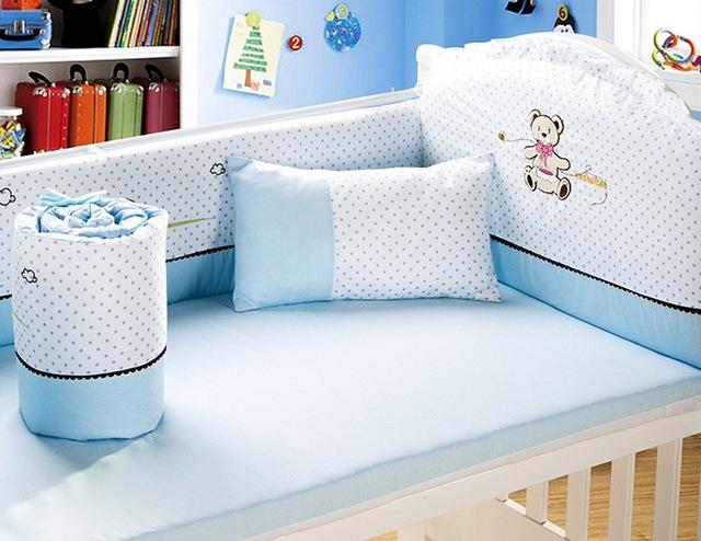 Кровать. Детские постельные принадлежности