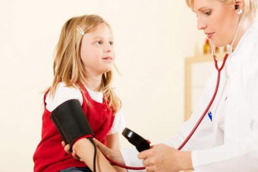 Высокое давление у детей: медики рассказали, в каких случаях нужно бить тревогу