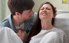 Акушеры советуют женщинам не тужиться во время родов