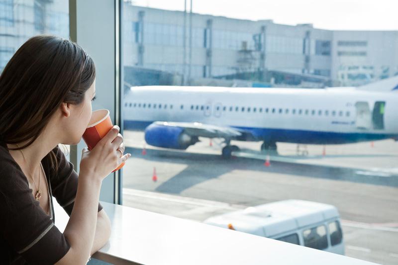 Безопасно ли беременным летать в самолетах: ответ ученых