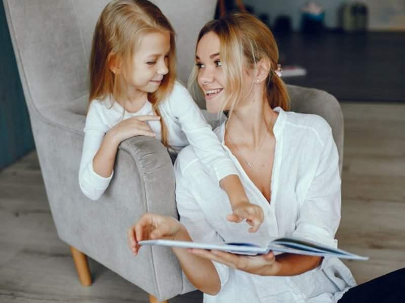 Медики рассказали, как образование матери влияет на продолжительность жизни ребенка