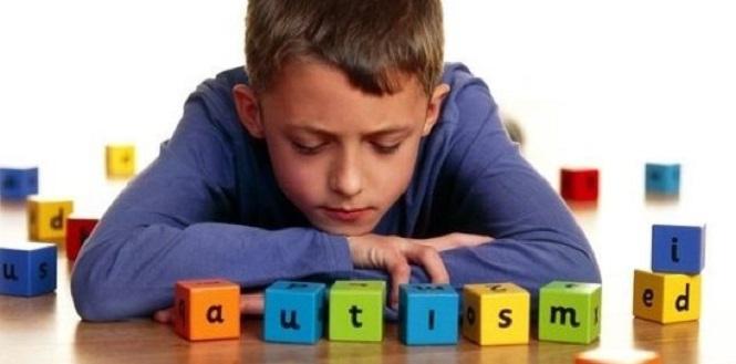 Как распознать аутизм у ребенка.Лечение аутизма