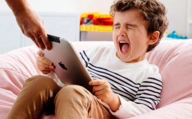 Планшеты и телевизоры замедляют развитие ребенка