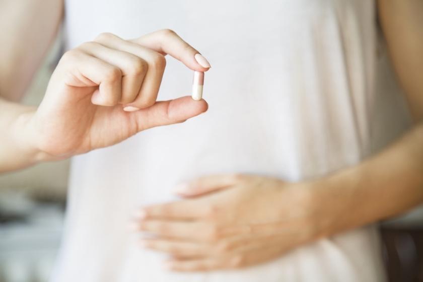 Ученые объяснили, почему так важен прием антибиотиков после родов