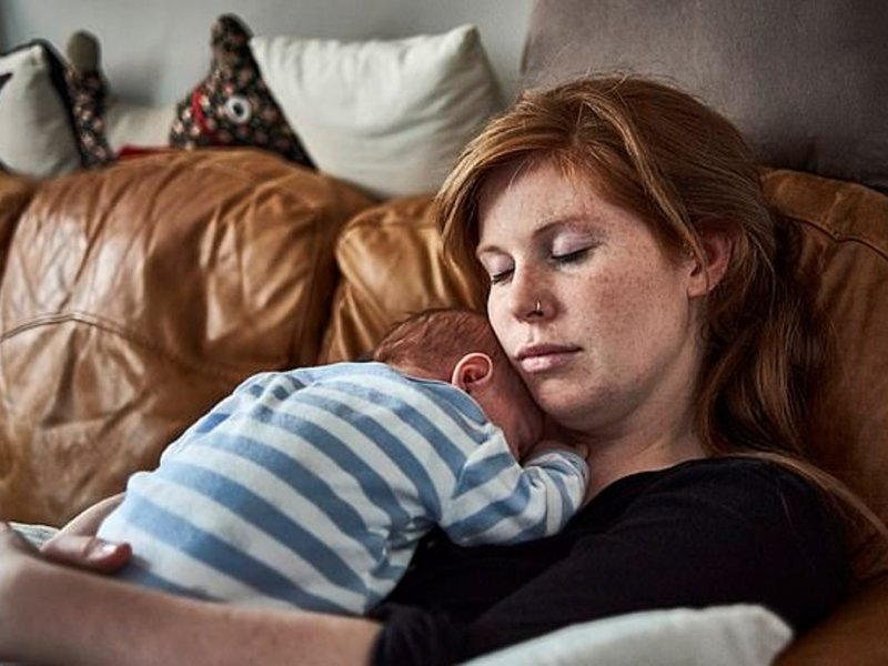 40% молодых мам сталкиваются с депрессией после родов