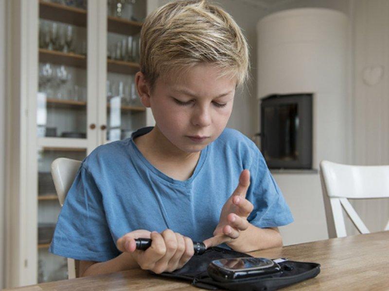 Без переосвидетельствования до 18 лет: в России меняется порядок получения инвалидности для детей с диабетом