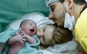 Гинеколог объяснил, почему пить воду во время родов можно и нужно