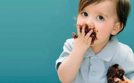 Маленькие дети в России толстеют из-за шоколада