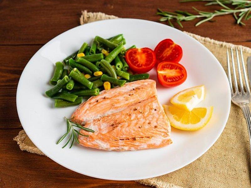Малышам до года нужна одна порция рыбы в неделю