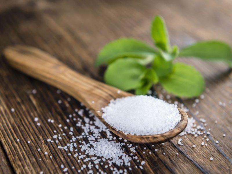 Чем грозит переход с сахара на стевию