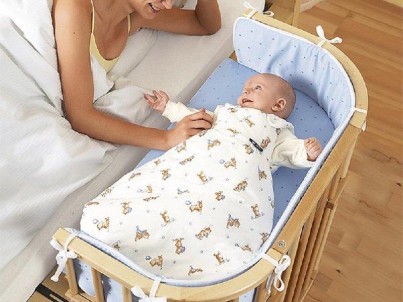 Никогда не кладите детей с собой спать