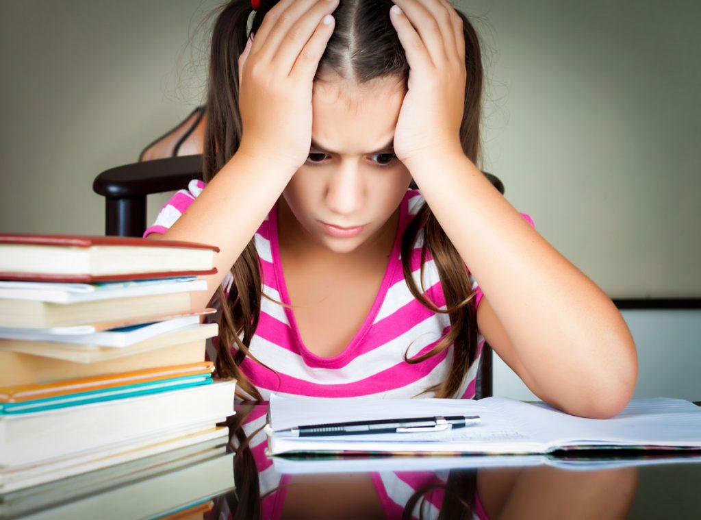 Ребенок боится контрольной: что делать?