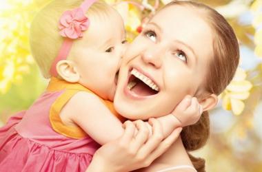 Как научить ребенка проявлению любви