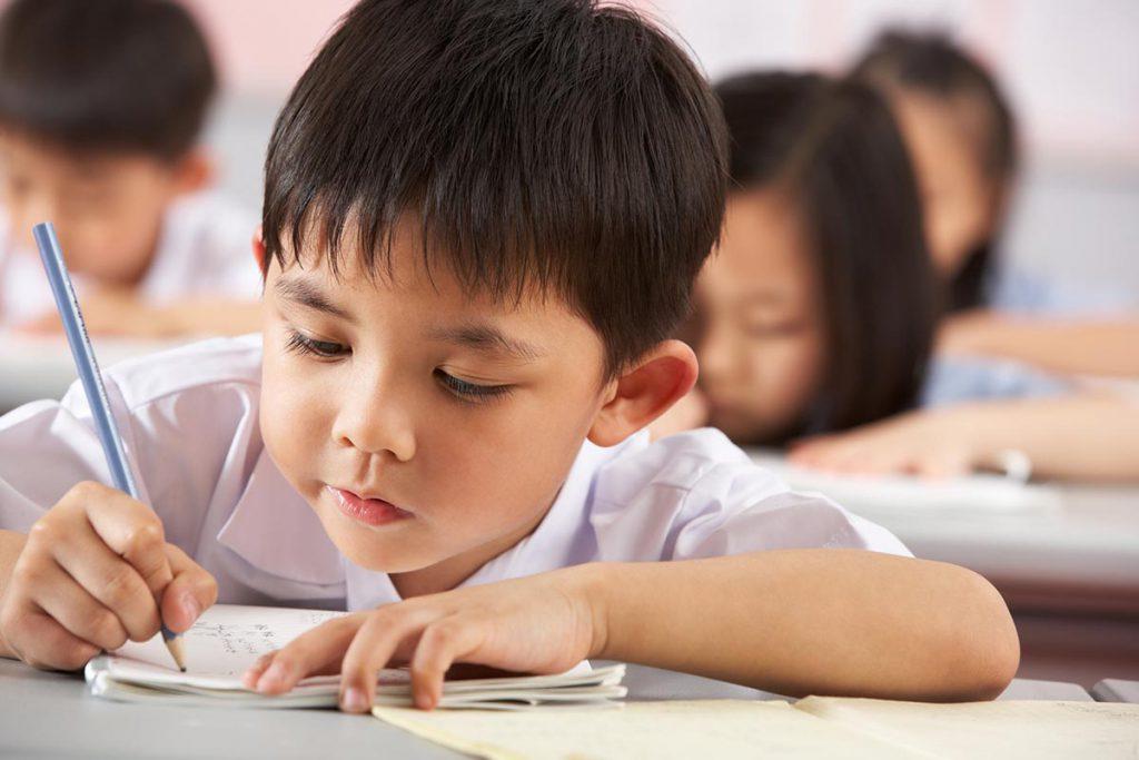 8 признаков, что карантин разрушает психику вашего ребенка