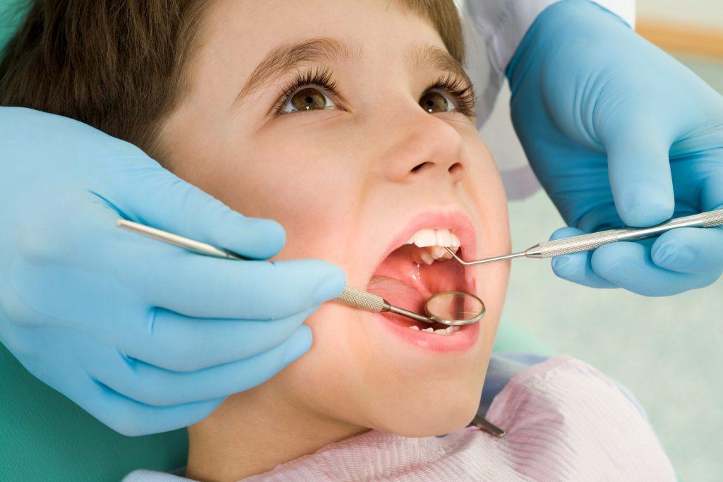Причины обращения к детскому ортодонту и его методы лечения
