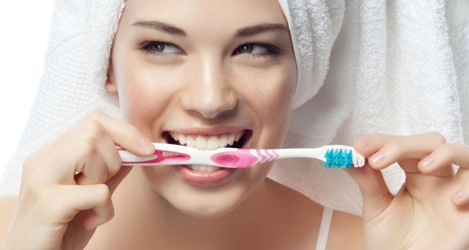 Как ухаживать за полостью рта после установки протезов?