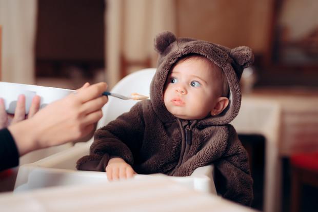 Почему детям вредно пюре в пакетиках: 3 причины