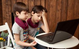 Больше половины родителей считают, что дети стали отставать в обучении из-за удаленки