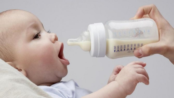 До какого возраста кормят детей смесью