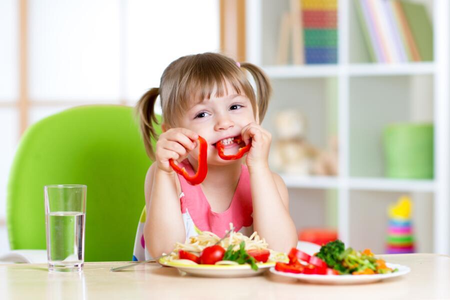 Надо ли заставлять детей есть